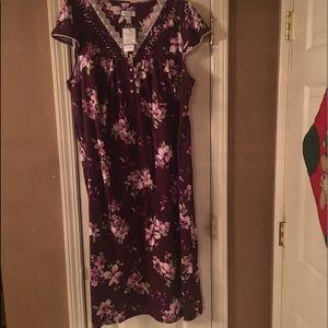 Charter Club size xxl, Burgundy sleep gown NWT